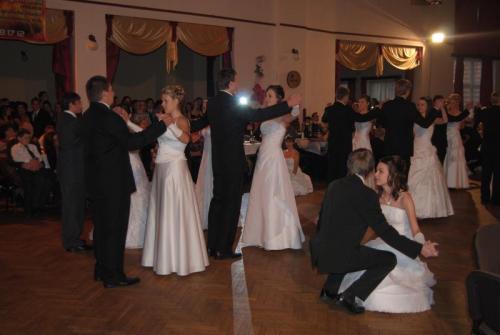 Závěrečný ples základního tanečního kurzu pro mládež
